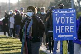 Bầu cử Mỹ: Ông Biden bất ngờ vượt lên ở Wisconsin và Michigan, mở ra cơ hội thắng