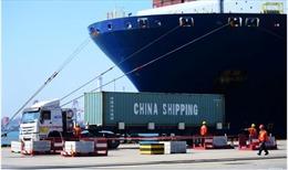 Trung Quốc tăng mạnh xuất khẩu, nới rộng thặng dư thương mại với Mỹ