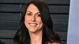 Vợ cũ của tỉ phú Jeff Bezos chi 4,2 tỉ USD làm từ thiện trong 4 tháng