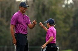 Con trai Tiger Wood gây sốt với cú đánh Eagle tại giải golf truyền thống của Mỹ