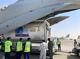 Ấn Độ điều máy bay chở container sang UAE nạp oxy điều trị bệnh nhân COVID-19