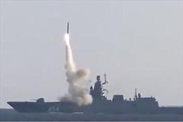 Video Nga phóng tên lửa siêu vượt âm Zircon đạt tốc độ Mach 7 hạ gọn mục tiêu