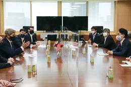 Đặc phái viên môi trường Mỹ John Kerry tới Nhật Bản, Trung Quốc bàn về bảo vệ môi trường