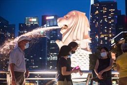 Singapore quyết sống chung với COVID-19 dù ca mắc mới tăng mạnh