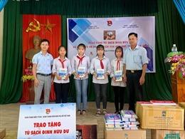Viết tiếp ước mơ tủ sách Đinh Hữu Dư trên quê lúa Thái Bình