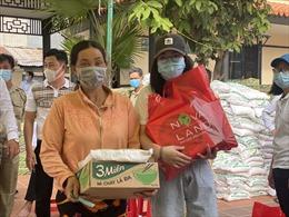 Nova Group tặng 800 phần quà cho người dân tỉnh Đồng Tháp