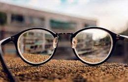 Tiểu phẩm: Chuyện cái kính