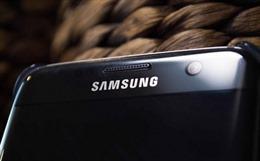 Smartphone của tương lai sẽ tự động làm mờ các vết trầy xước?