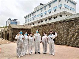 Dỡ lệnh phong toả Bệnh viện Bạch Mai: Người mừng nhất phải là người dân