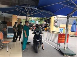 Tăng cường sàng lọc người đến các bệnh viện
