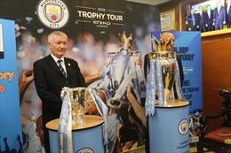 Clip 'mục sở thị' hai chiếc Cúp danh giá của bóng đá Anh