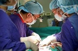 Kỳ diệu ca ghép phổi đầu tiên tại bệnh viện Việt Đức từ người cho chết não