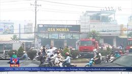 Cháy xưởng sản xuất sofa ở quận Tân Phú, TP Hồ Chí Minh