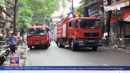 Lại cháy dãy nhà trọ trên phố Đê La Thành