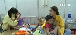 Hàng loạt trẻ mầm non ở Hà Nội bị ngộ độc vì bánh ngọt nhiễm vi khuẩn