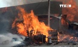 Cháy lớn thiêu rụi một xưởng gỗ ở TP Biên Hòa