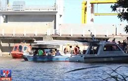 Đã tìm thấy 3 thi thể trong vụ chìm sà lan trên sông Tiền