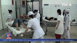 Tập trung cứu chữa các nạn nhân trong vụ lật xe trên đèo Hải Vân