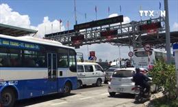Xả trạm thu phí Ninh Lộc, Khánh Hòa do tài xế chặn đường