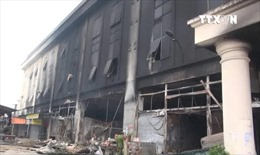 Cháy Trung tâm thương mại Chợ Giầu, 10 kios bị thiêu rụi
