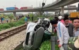 Tai nạn đường sắt nghiêm trọng tại Hải Dương, 5 người thương vong