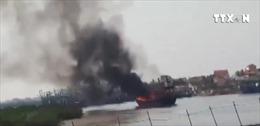 Tàu cá công suất lớn tại Nghệ An bị thiêu rụi