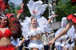 Vũ điệu Carnival khuấy động phố đi bộ Hà Nội 2019