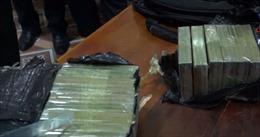 Lào Cai bắt vụ vận chuyển trái phép 16 bánh hêrôin