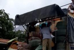 Bình Phước bắt vụ vận chuyển số hàng lậu lớn