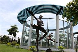 Độc đáo công viên mang hình dáng cây đàn guitar tại Hà Nội