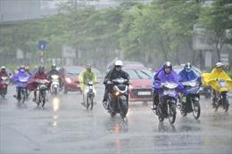 Bắc Bộ có mưa rào và dông, Nam Trung Bộ nắng nóng