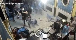 Bắt nhóm giang hồ đập phá nhà hàng trung tâm Thành phố Hồ Chí Minh