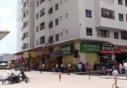 Nổ tại chung cư Linh Đàm, 4 người bị thương