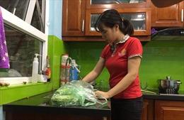 Người dân Hà Nội lo lắng khi nước sinh hoạt có mùi lạ