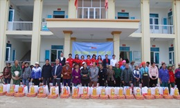 Chương trình 'Đồng hành cùng vùng khó' của Báo Tin tức đến với đồng bào xã Sơn Lương (Yên Bái)