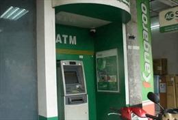 Đập phá cây ATM để cướp tiền tại Đà Nẵng
