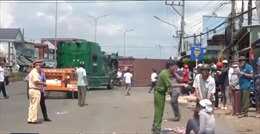 Một người chết, 2 người bị thương do thùng container rơi xuống đường