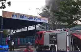 Cháy kho gỗ bên cạnh cơ sở kinh doanh gas tại Đà Nẵng