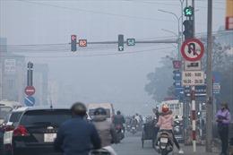 Hà Nội mờ mịt trong ô nhiễm không khí