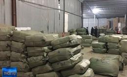 Tạm giam 3 đối tượng trong đường dây buôn lậu hàng trăm tấn dược liệu