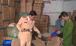 Thu giữ nhiều hàng nhập lậu trên đường cao tốc Nội Bài - Lào Cai