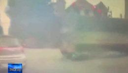 Vượt đèn đỏ tông vào xe tải ngày giáp Tết
