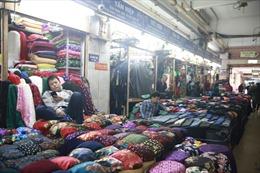 Chợ buôn bán sầm uất nhất Hà Nội 'đóng băng' vì dịch COVID-19