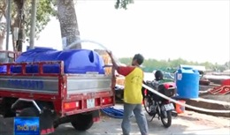 Nguồn nước bị nhiễm mặn, nước ngọt ở Bến Tre đội giá