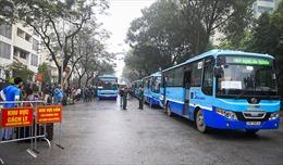 Dịch COVID-19: Những chuyến xe buýt đặc biệt đưa người hết cách ly về nhà