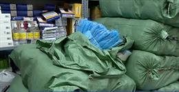 Phát hiện hàng nghìn bộ đồ bảo hộ có dấu hiệu làm giả