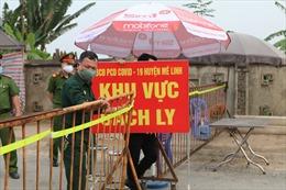Lập 9 chốt chặn người ra -vào thôn Hạ Lôi để cách ly phòng chống dịch COVID-19