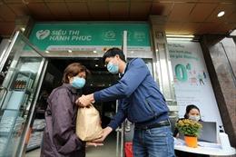 Siêu thị 0 đồng dành cho người nghèo ở Hà Nội trong mùa dịch COVID-19
