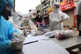 Hà Nội tổ chức xét nghiệm COVID-19 cho người dân xã Dũng Tiến