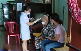 Khám chữa bệnh cho người cao tuổi tại nhà